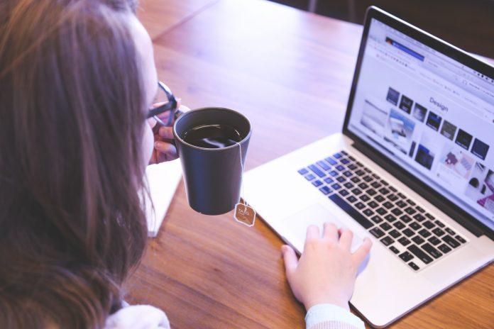 mujeres ordenador