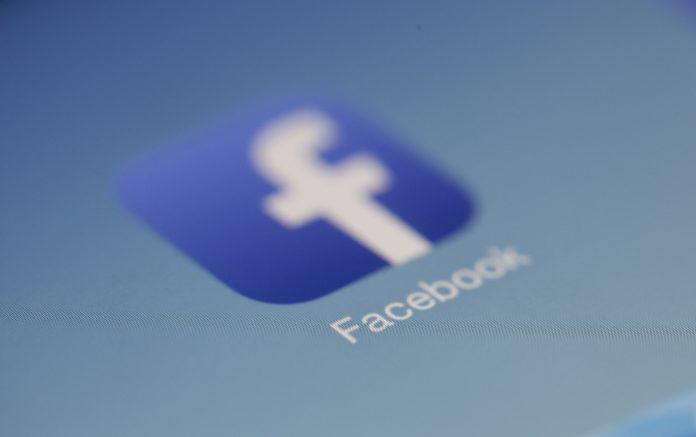 eliminar facebook moderadores