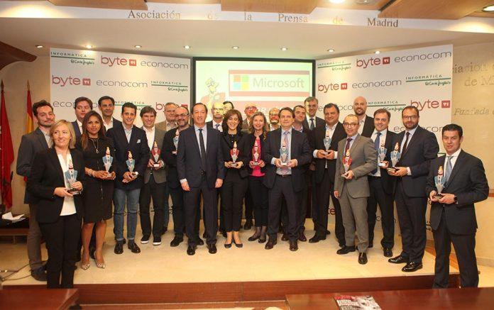 foto familia Premios Byte TI 2018 - Pilar Lopez presidenta de Microsoft, Personalidad del Año