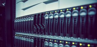 kubernetes contenedores como servicio Pure Service Orchestrator cohesity