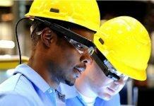 Smartglasses Toshiba sector industrial