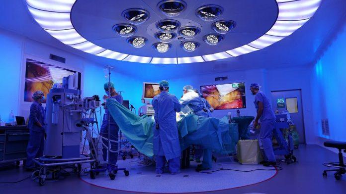 dispositivos médicos electrónicosorganizaciones sanitarias ehealth cirujanos telemedicina