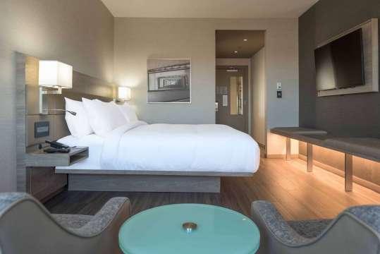 AC Hotel by Marriott Boston North 2