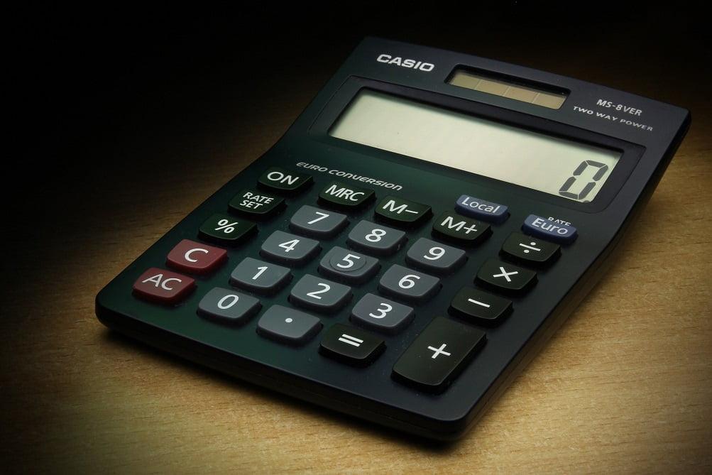 Hackea una vieja calculadora Casio y la convierte en un ordenador eficaz  con conexión wifi incorporada