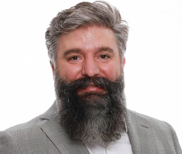 Oscar García, GERENTE DE SPOUG