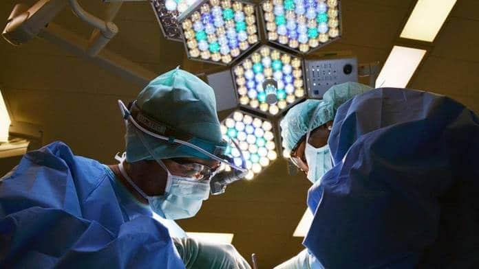 robot tratar el cáncer de pulmón