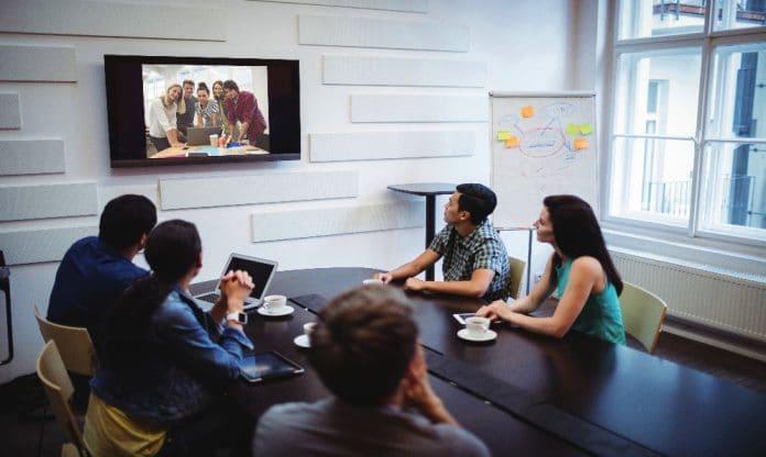 El trabajo híbrido requiere más asistentes virtuales para un mayor rendimiento trabajo presencial